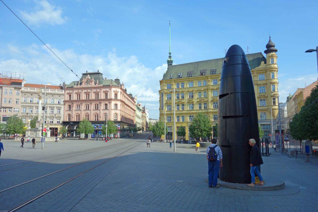 Kunstwerk auf dem Brünner Hauptplatz