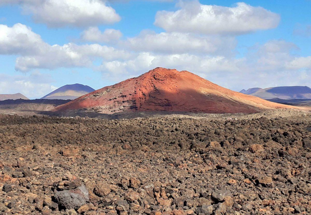Vulkane auf Lanzarote und Lava-Steinwüsten